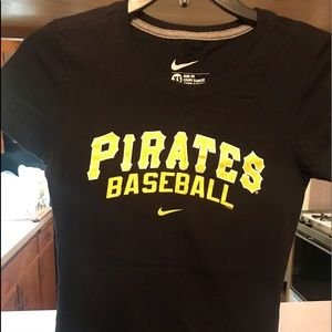 Pittsburgh Pirates Slim Fit Tee
